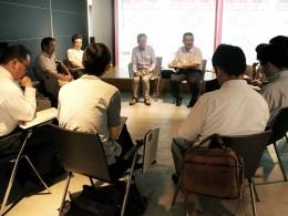 ラウンドテーブルは企業と学校の意見交換の場に