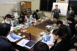 ICT教育に触れる機会を提供したいと語る松田校長