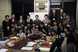 櫻井ゼミと愛和小の協働授業参加者たち