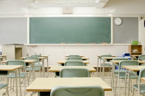 """21世紀も教室の中心的存在を占める""""黒板"""""""
