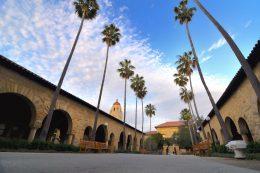 サマープログラムを実施するスタンフォード大学