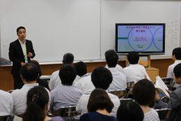「子どもたちの未来に責任を」と語る松田校長