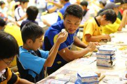パナソニックのラグビーチームとのコラボレーションによる「手づくり乾電池教室」