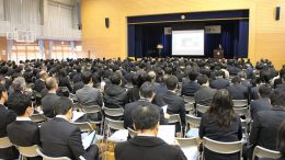 市立春日学園義務教育学校の発表会
