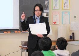 「アイデアシートにまとめてから始めなさい」と上野先生