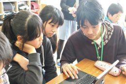 """HackforPlay""開発者、寺本さんの直接指導もあり"