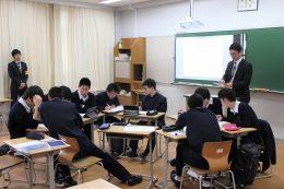 「学び合い」中の生徒たち