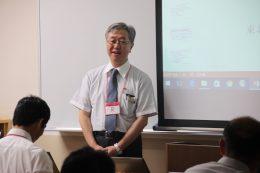 ICT導入についてプレゼンする東北学院中高の教諭