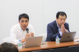 討論会の松田校長(左)と平井氏(右)