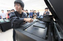 ストラタシスの3Dプリンターで樹脂金型を製作
