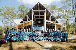 キリロム工科大学(カンボジア)の学生
