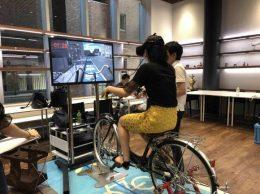 自転車VRシミュレーターを使った「自転車交通安全教室」の様子