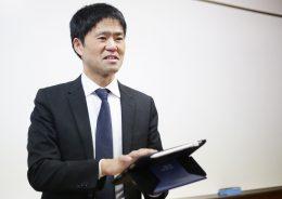 教務課長 藤原清人先生