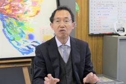 「始まったばかりだが、様々な教科で活用している」と語る江口校長