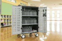 """戸田市教委、小中学校のデバイス管理に「Zip40充電カート」導入style=""""display:"""